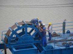 镇江五峰山长江大桥南北两岸四台缆载起重机全部吊装完成!