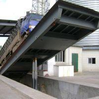 渭南汽车散料快速卸车液压翻板平台安装维修