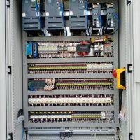 河南圣斯电气防摇摆变频电器柜