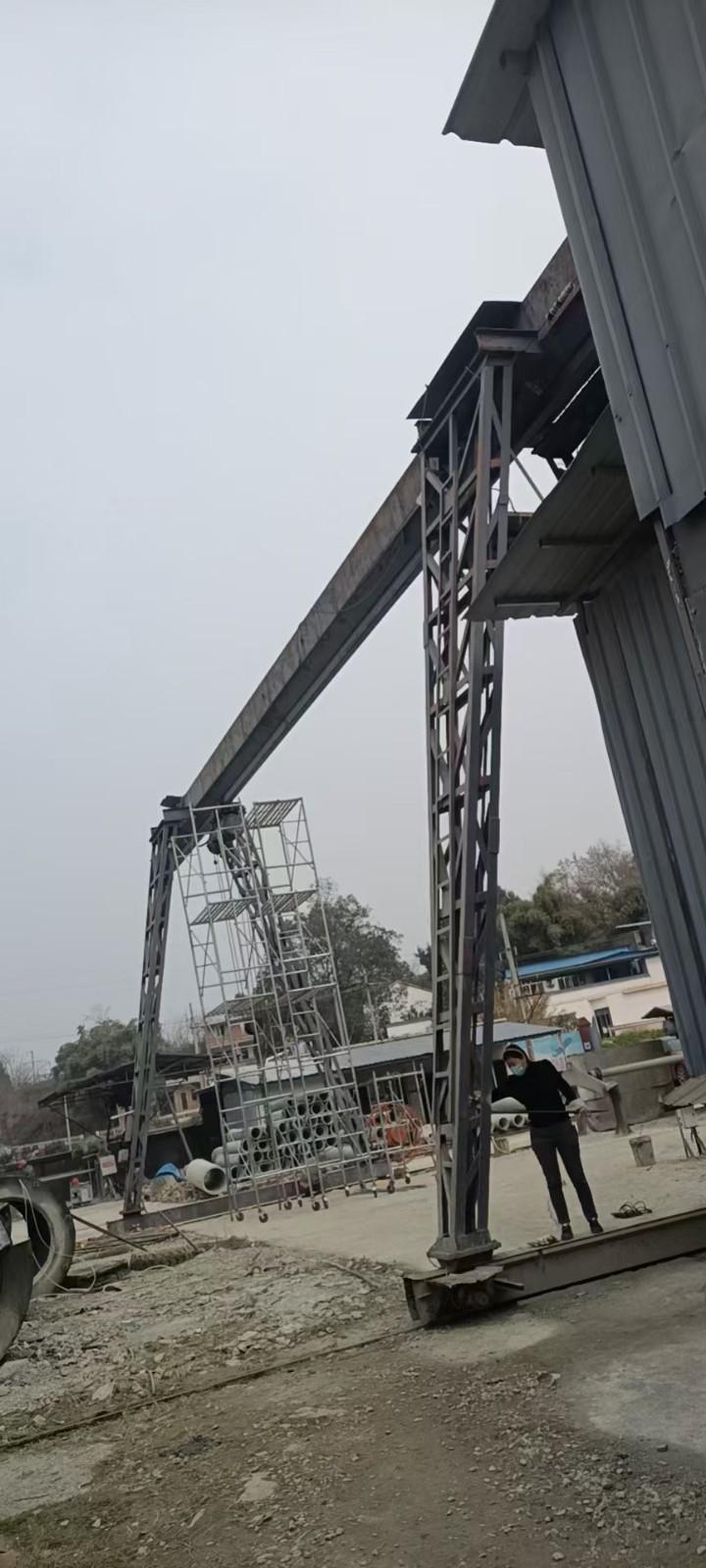 南京恒科行吊门式起重机